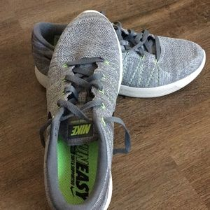 New! Nike Mens RunEasy NIKE Running Shoes